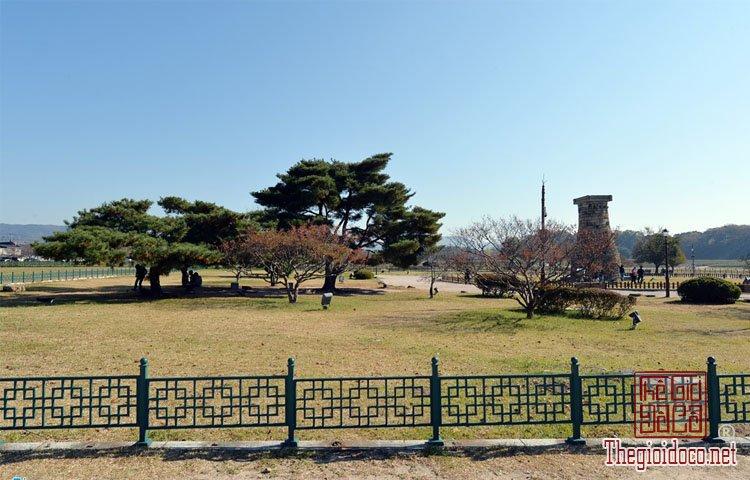 Đài thiên văn Cheomseongdae (10).jpg