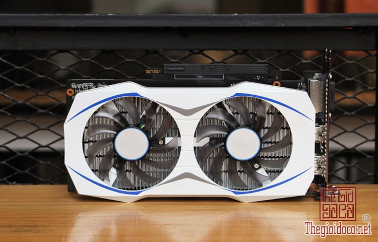 Asus GTX 1050 Dual (4).jpg