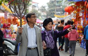 Chợ hoa phố cổ Hà thành nhộn nhịp trước ngày Táo quân