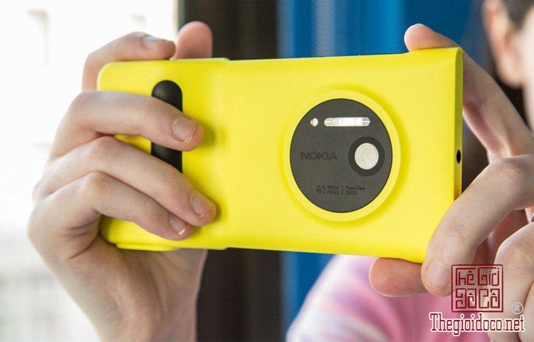 Nokia Lumia 1020 (3).jpg