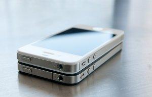 iPhone giá vài trăm nghìn bán tràn lan dịp Tết