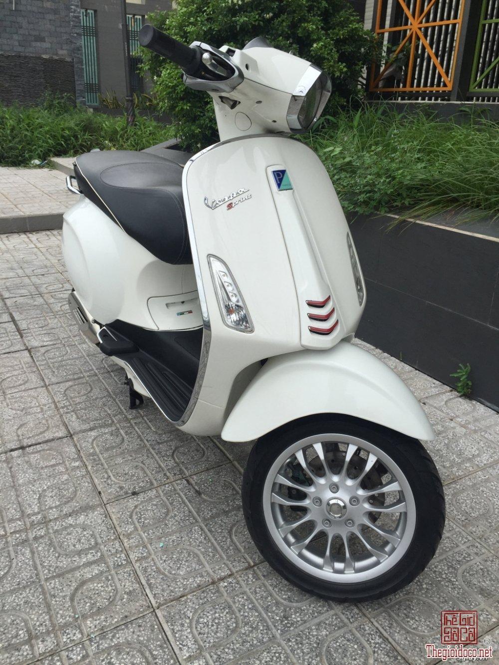 Vespa Sprint 125 (4).JPG