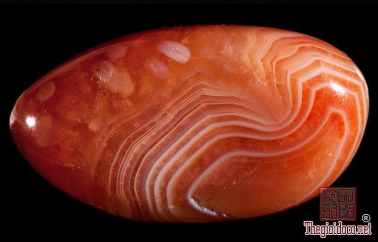 Lựa chọn đá phong thủy theo tháng sinh thu hút tài lộc  (6).jpg
