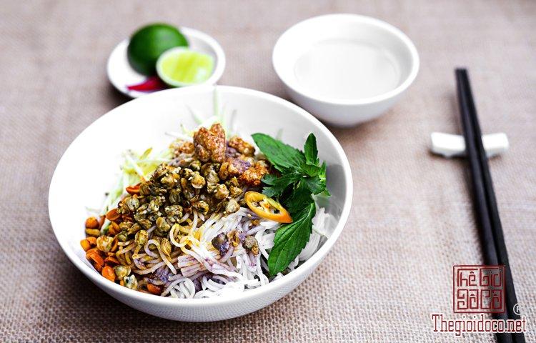Những món bún nặng mùi 'mê hoặc' thực khách Việt (6).jpg