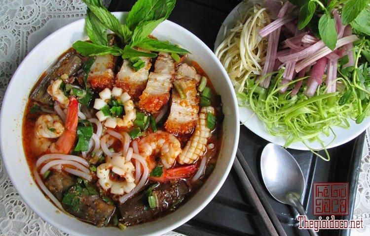 Những món bún nặng mùi 'mê hoặc' thực khách Việt (7).jpg