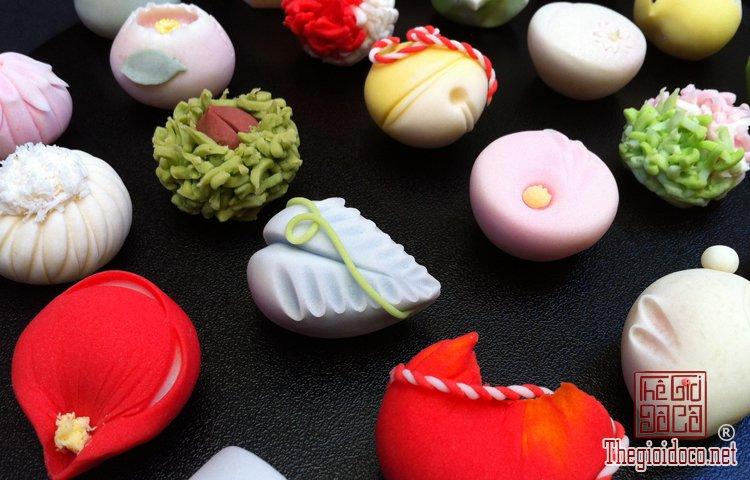Wagashi - món bánh ngọt đẹp mắt không nỡ ăn của Nhật Bản (1).jpg