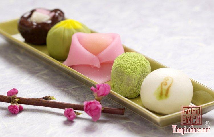 Wagashi - món bánh ngọt đẹp mắt không nỡ ăn của Nhật Bản (2).jpg