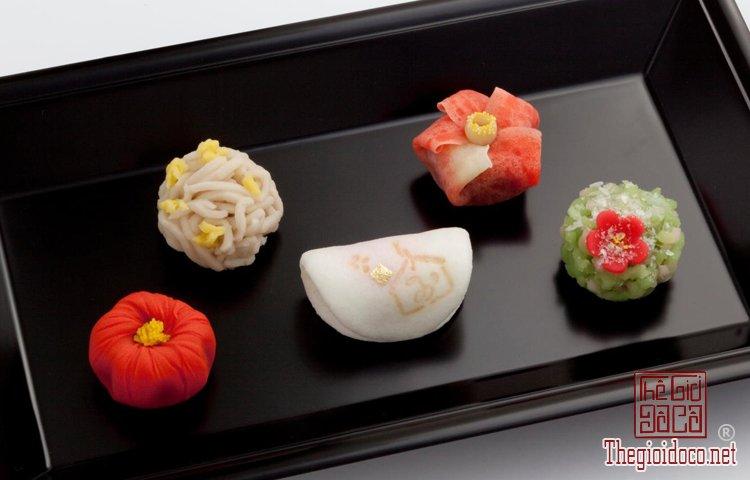 Wagashi - món bánh ngọt đẹp mắt không nỡ ăn của Nhật Bản (7).jpg