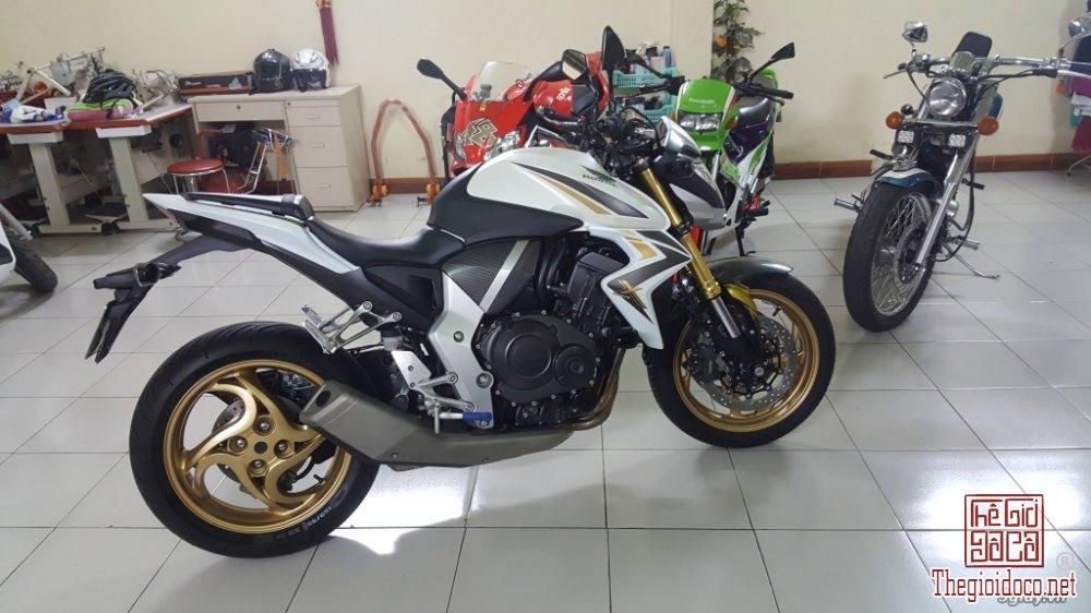 Honda CB1000R (3).jpg