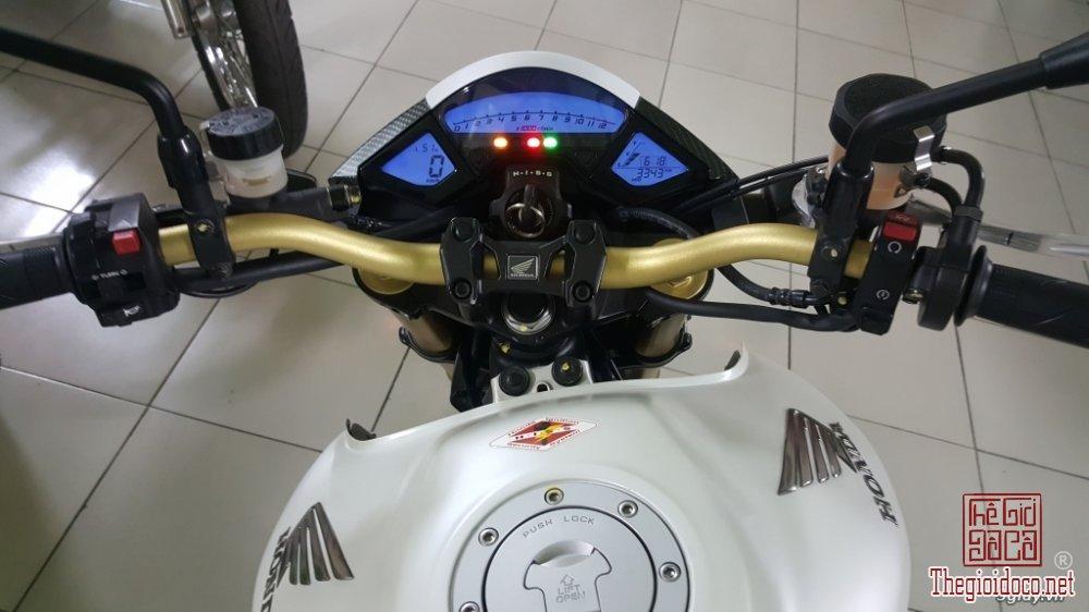 Honda CB1000R (14).jpg
