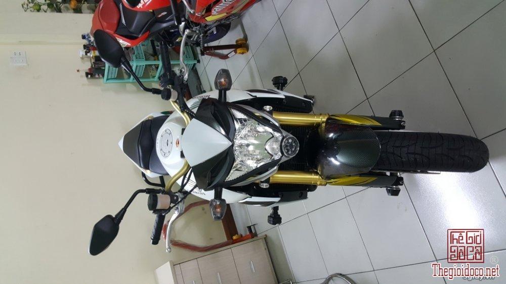 Honda CB1000R (15).jpg