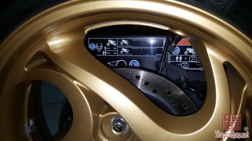 Honda CB1000R (17).jpg