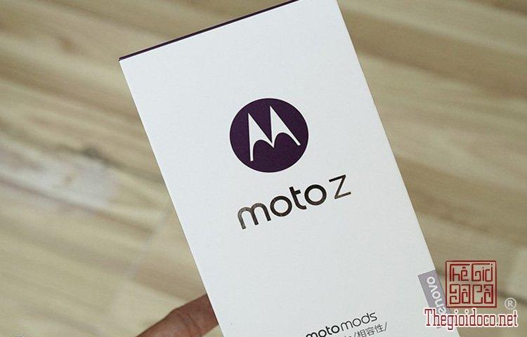 Moto Z (1).jpg