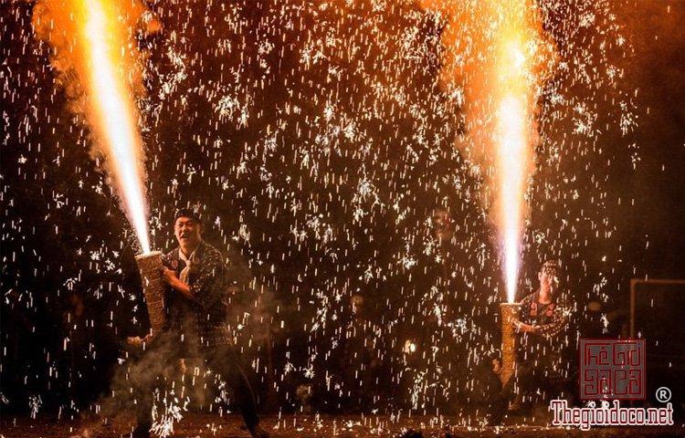 lễ hội ở vùng Toyohashi (3).jpg