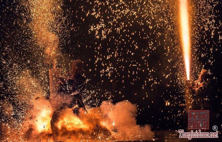 lễ hội ở vùng Toyohashi (5).jpg
