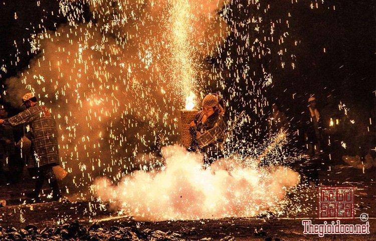 lễ hội ở vùng Toyohashi (8).jpg