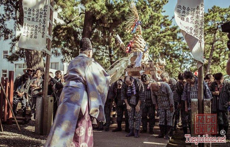 lễ hội ở vùng Toyohashi (10).jpg
