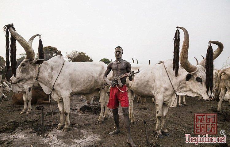 tộc Mundari ở Nam Sudan (3).jpg