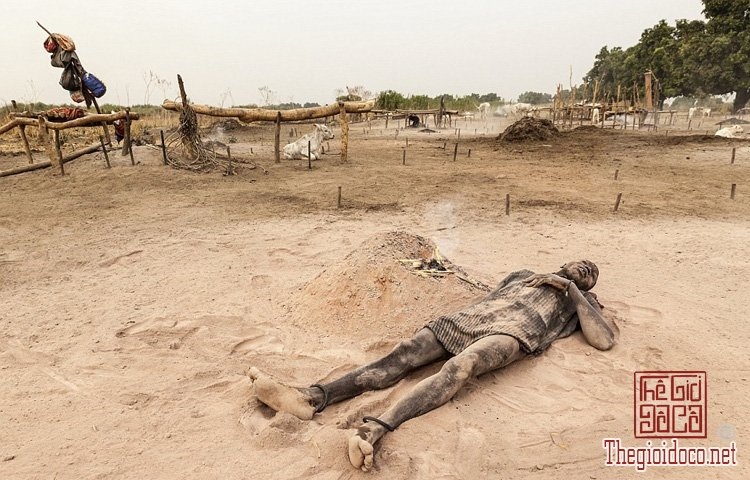tộc Mundari ở Nam Sudan (5).jpg