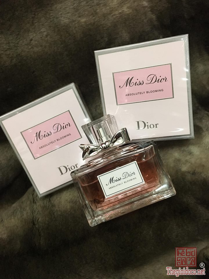 Dior Absolutely Blooming edp 100ml (2).jpg