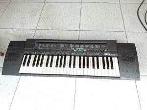Organ YAMAHA. made in japan.