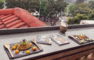 Những quán cà phê xinh xắn phục vụ xuyên Tết ở Hà Nội