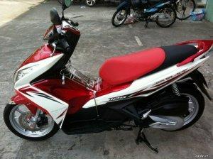 Air Blade trắng đỏ 125 Sport Fi