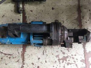 máy cắt sắt thủy lực 25ly nội địa
