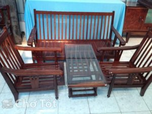 Bàn ghế salon cổ xưa
