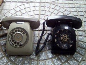 Điện thoại quay số Mỹ - Nhật