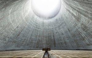 Bên trong những tháp giải nhiệt bỏ hoang ở châu Âu