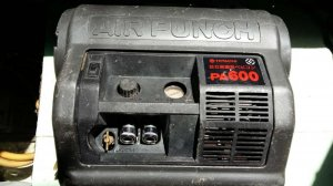 Hitachi.Bơm hơi xe máy,xe hơi thổi sơn,xịt bụi,thương hiệu cũa nhật bản.