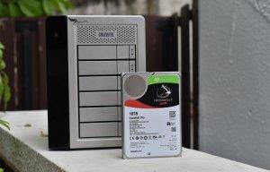 Đánh giá ổ cứng Seagate IronWolf Pro 10TB: khả năng chịu tải tốt, độ tin cậy 137 năm