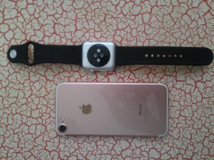 Bán cặp đôi hoàn hảo Apple Watch Sport 42mm và Iphone 7 32Gb hồng, 99%