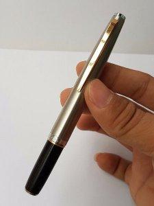 Nhiều bút ngòi bằng vàng đúc mới đẹp giá bình dân phục vụ các Bác