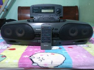 Radio Cassette CD Panasonic model DT707 - DT909