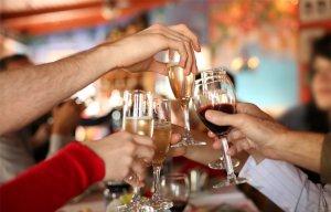 Hướng dẫn cách sơ cứu người ngộ độc rượu