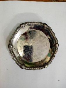 Dĩa chạm hoa văn có chân -lắc kê bạc - Đồ xưa - 700k
