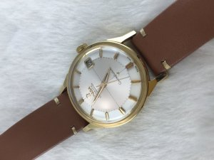 """Omega Constellation Chronometer Automatic Pie Pan """"dog leg"""" solid 18k gold Cal561 Cross dial"""