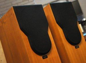 Thanh lý Cặp loa cột tuyệt đẹp Chario Syntar-100 Tower đến từ Italy
