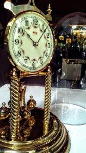 Nhiều đồng hồ Vĩnh Cửu, made in Germany, hàng đem từ Mỹ, còn trên 90%