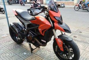 Ducati Hyper strada 821 (2).jpg