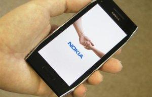 Cách phân biệt điện thoại Nokia X7 thật và Nokia X7 giả