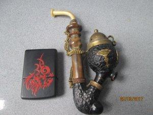 Tẩu hút thuốc cổ bằng sừng , xương và gổ, của thuỵ sĩ, swiss made.