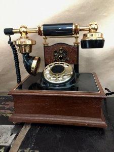 Điện thoại quay số xưa của Mỹ đẹp, hoạt động tốt.