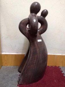 """Tượng gốm Đồng Nai """"Mẹ con"""" cao 45 cm, giá 300k"""