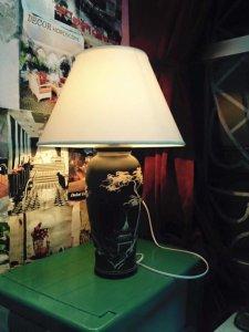 Đèn trang trí để bàn cao 70cm. Hoạt động tốt giá 470k.