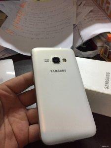 Samsung J1 2016 , fullbox , mới xài 3 tháng...