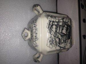 Hũ trà Anh Quốc Mason's ironstone, cảnh thuyền buồm.