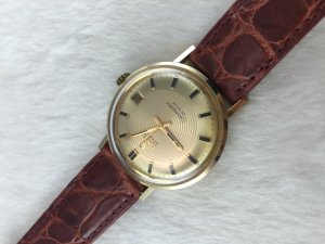 Omega Seamaster Deville Automatic solid 14k gold Cal563 Dial's Golden Target